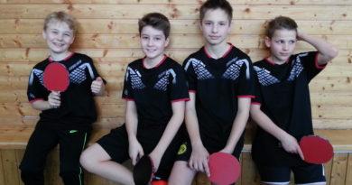 (Bezirksmeister Bezirk Donau U14: Enrico Eisele, Jan Ohlmann, Rafael Konrad, Hendrik Schmid)